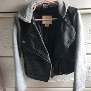 Lot of kids clothing size 5/6 /leather jacket XX